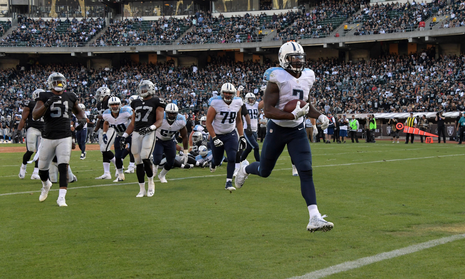 8f0a56312b8 Tennessee Titans running back Derrick Henry (No. 2) scores 3-yard TD  against Oakland on Saturday  Kirby Lee - USA TODAY Sports