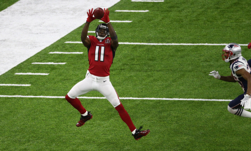 Julio Jones jumps for the catch