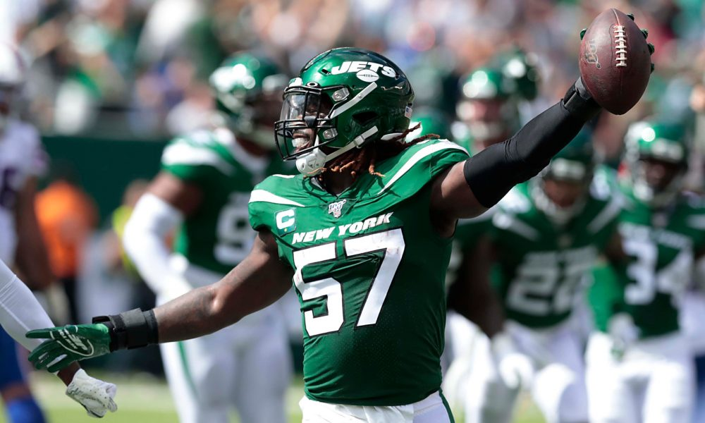 C.J. Mosley celebrates a fumble recover for New York Jets in 2019 season