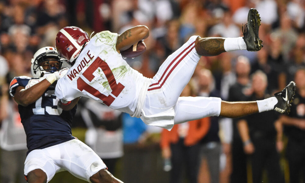 Jaylen Waddle with a touchdown catch for Alabama in 2019 Iron Bowl