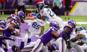 Derrick Henry of Tennessee Titans scores a TD versus Minnesota Vikings
