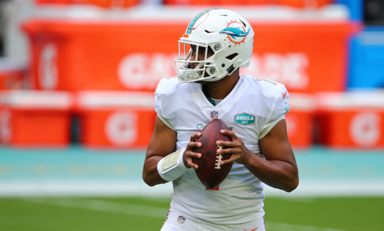 Tua Tagovailoa's Miami debut was so loud Dolphins reporters could hear ovation through the press box