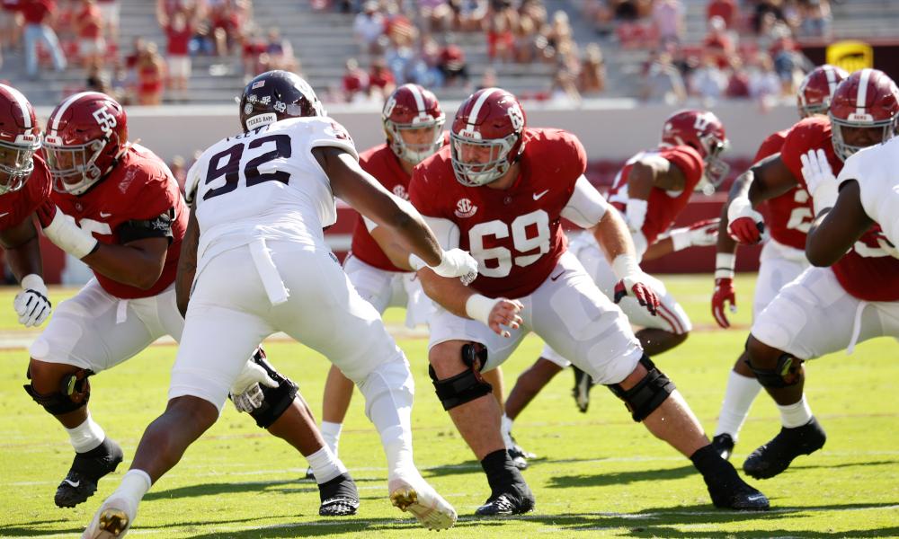 Landon Dickerson run blocking for Alabama versus Texas A&M