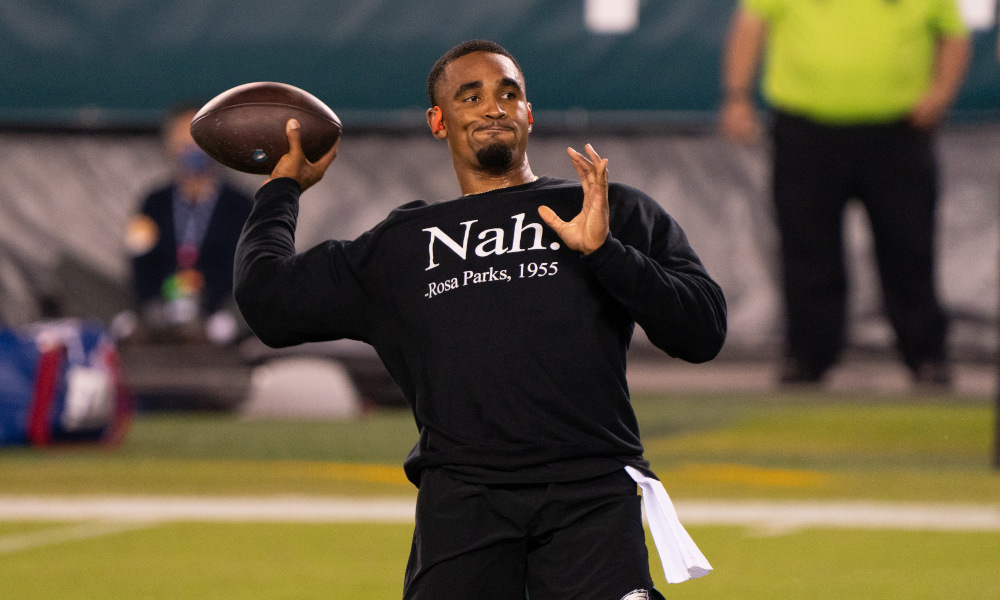 Jalen Hurts throwing passes in warmups before Eagles vs. Giants game