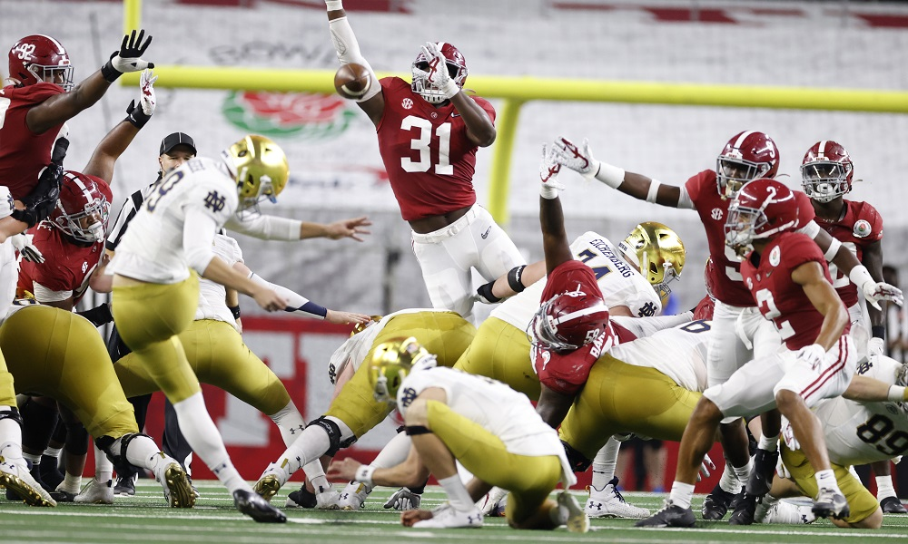 Will Anderson (No. 31) for Alabama attempting to block a FG versus Notre Dame in CFP semifinal