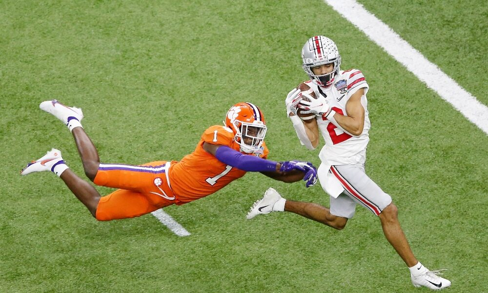 Chris Olave catches a touchdown against Clemson