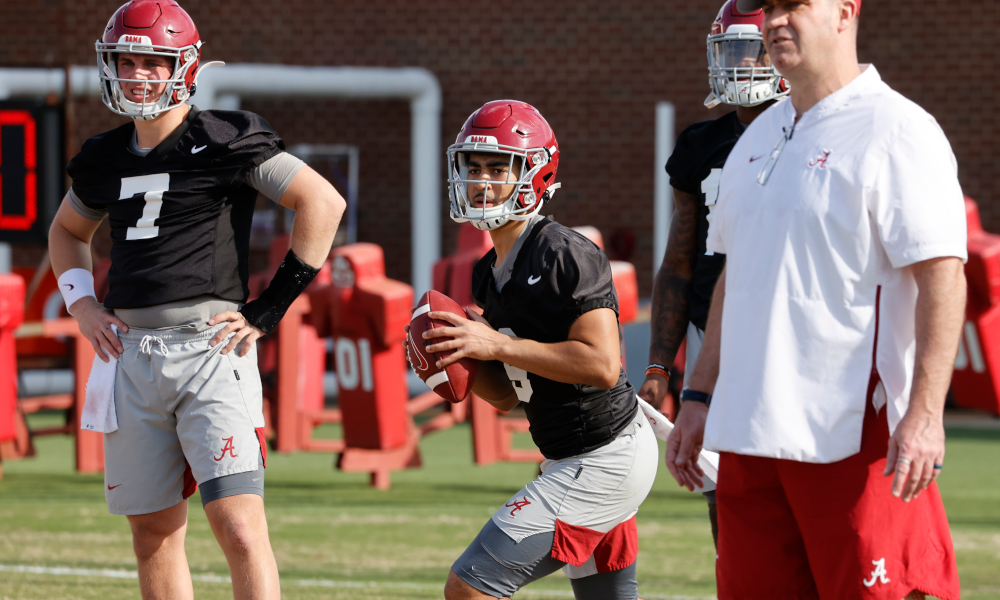 Bryce Young throwing at Alabama's second spring practice