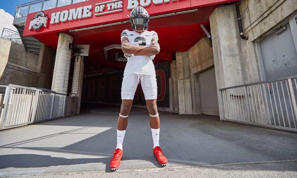 Jameson Williams poses for a picture doing Ohio State visit