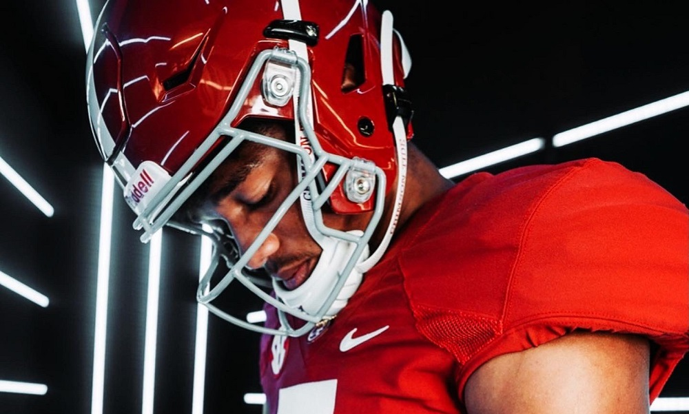 Shawn Murphy takes picture during visit to Alabama