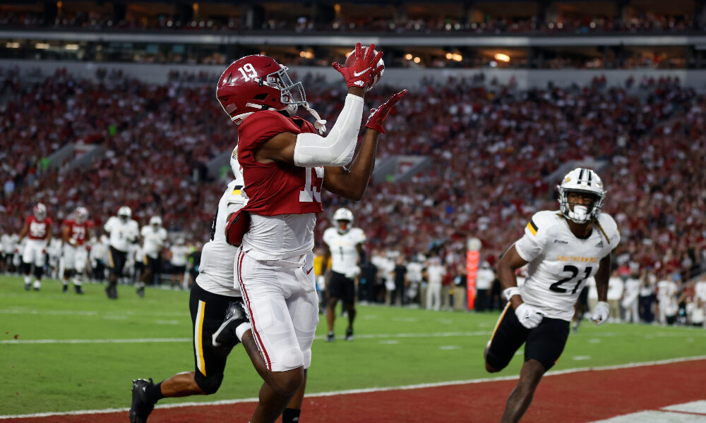 Jahleel Billingsley catches a touchdown against Southern Miss