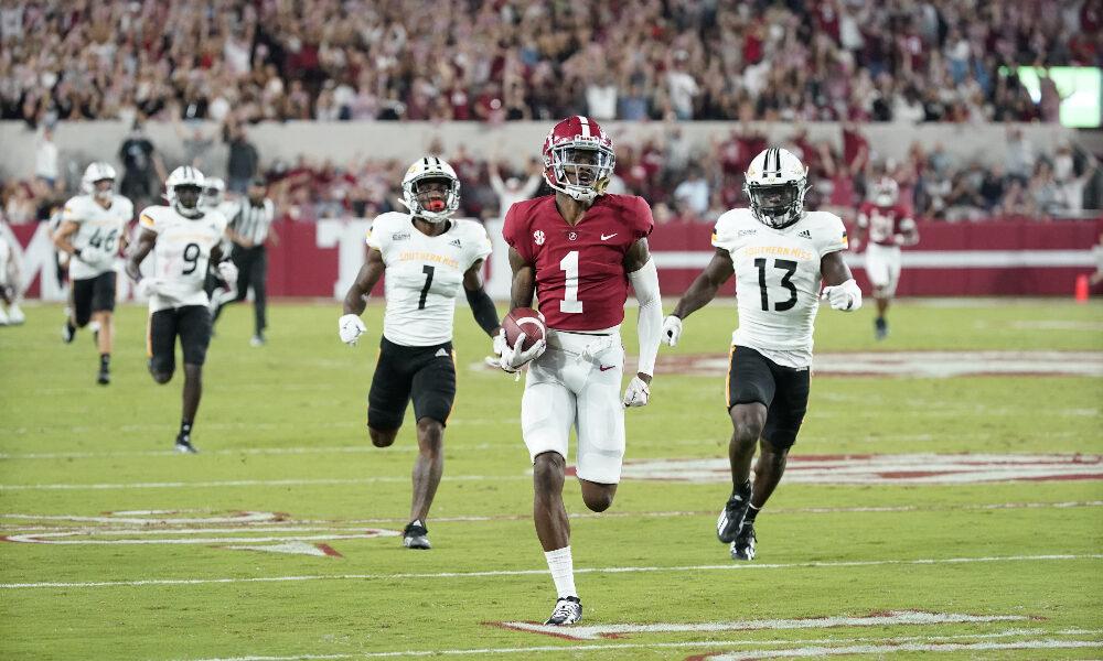 Jameson Williams runs a long touchdown