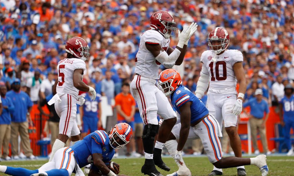 Will Anderson celebrates a tackle against Florida